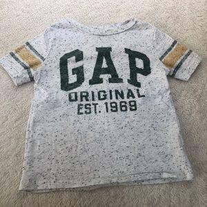 Gap boys short sleeve T-shirt's size XS